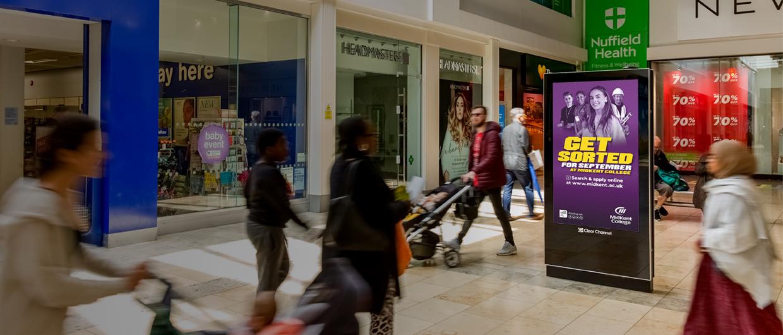 Malls Live Screen in Kent